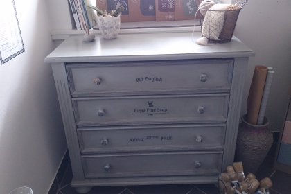 "Kommode mit Annie Sloan Chalk Paint ""Paris Grey"""